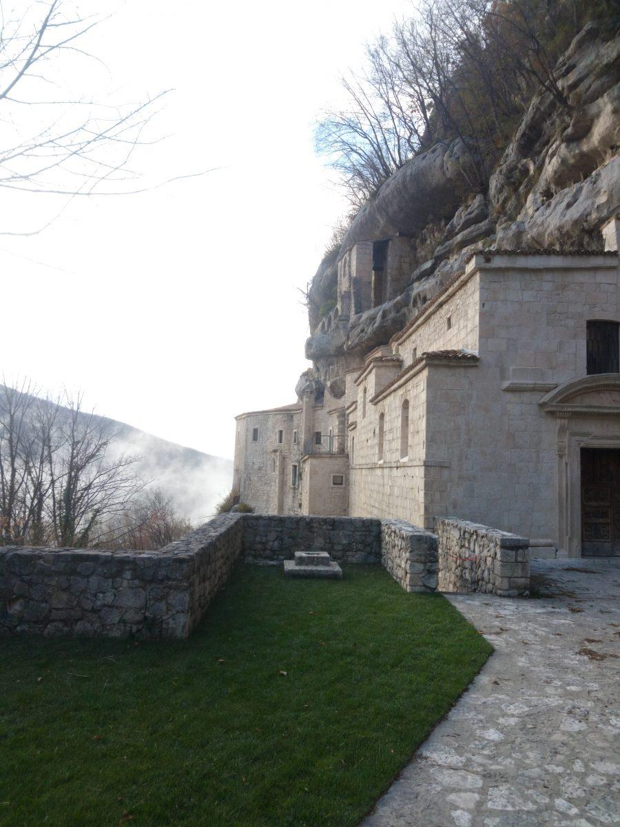 Un weekend in Abruzzo: ecco come uscire dagli schemi mentali- eremo santo spirito a Majella