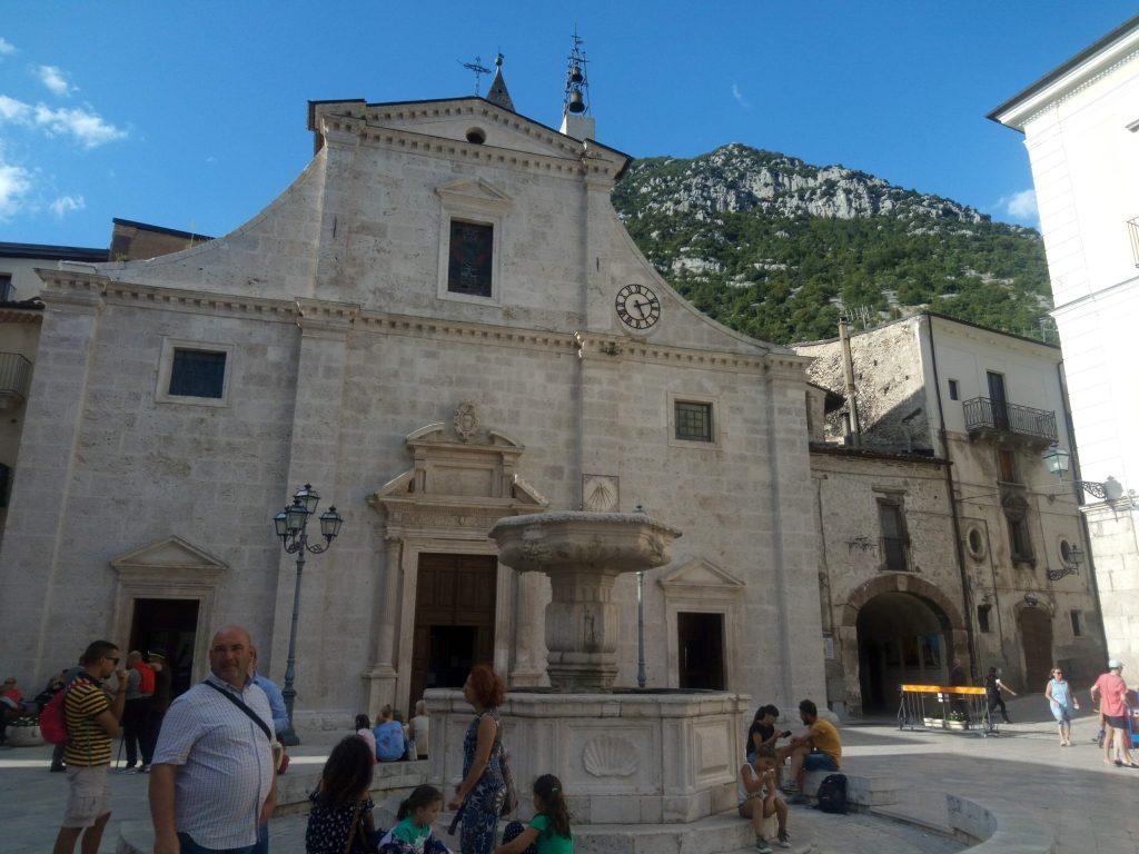 Pacentro Chiesa di Santa Maria della Misericordia  Piazza del Popolo