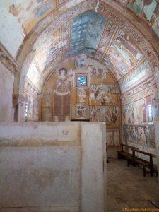 Bominaco affreschi del 1263 nella Cappella Sistina D'Abruzzo