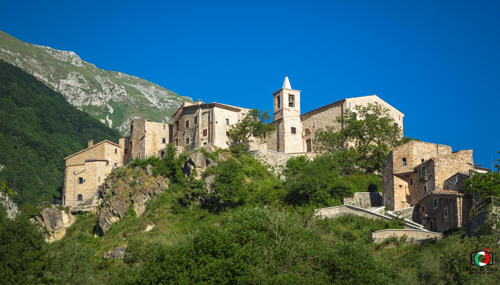 Roccacaramanico il borgo in provincia di Pescara Abruzzo